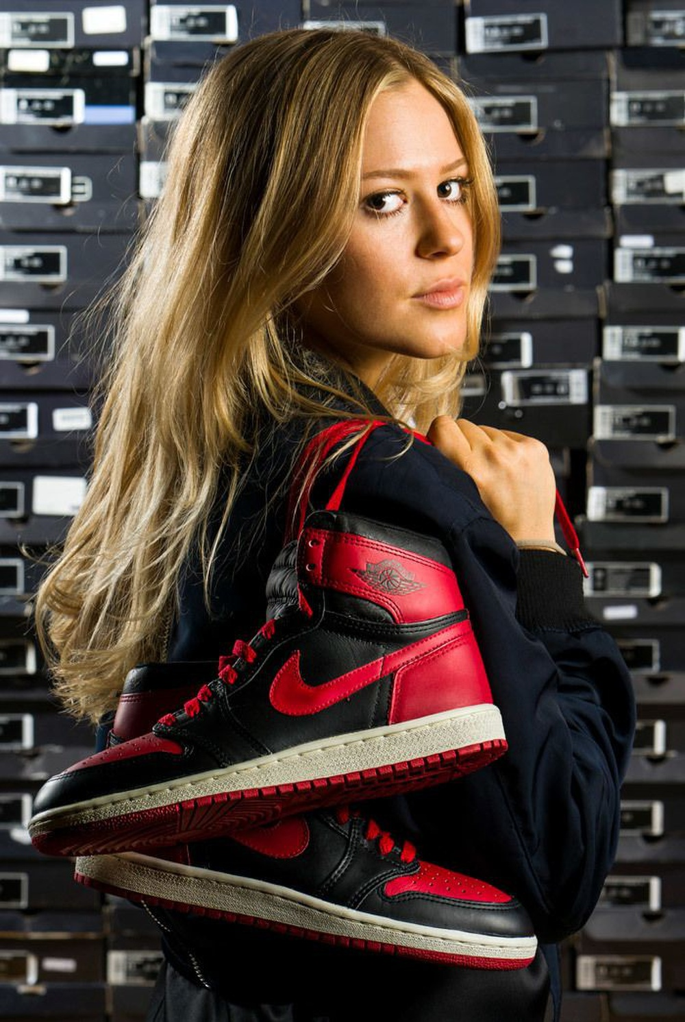 Choáng ngợp vì tủ giày sneaker lớn nhất thế giới hơn 6000 đôi Ảnh 6
