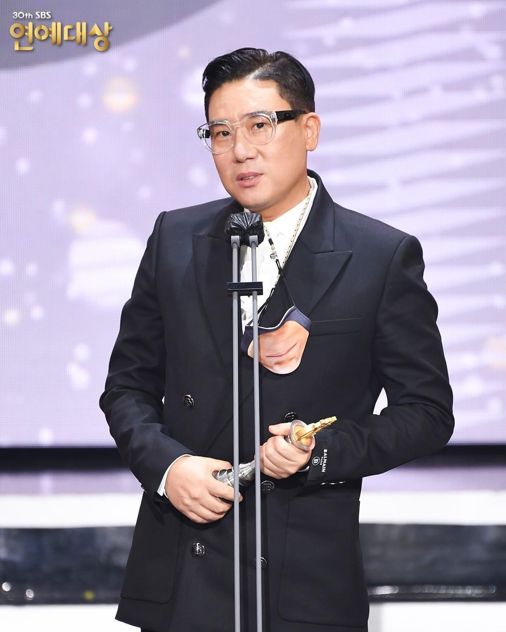 Kết quả 'SBS Entertainment Awards 2020': Kim Jong Kook thắng Daesang, Yoo Jae Suk 'Running Man' trắng tay Ảnh 24