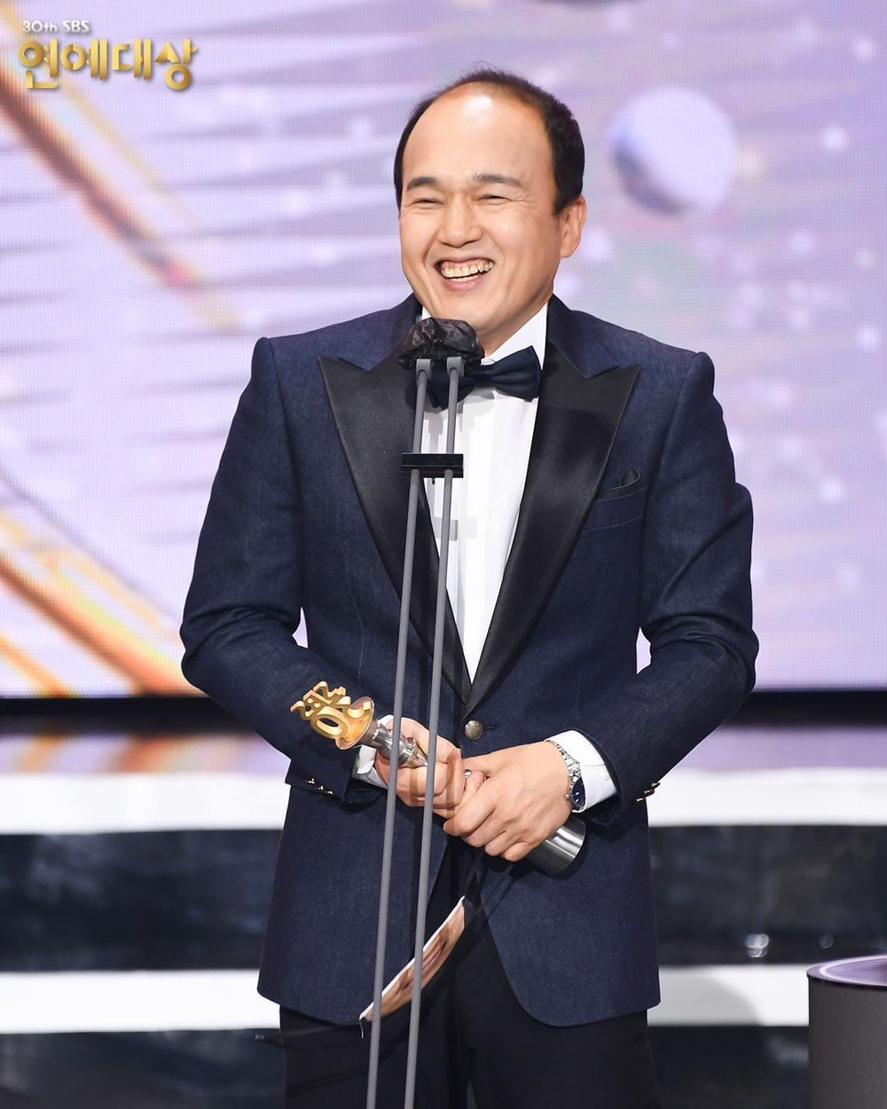 Kết quả 'SBS Entertainment Awards 2020': Kim Jong Kook thắng Daesang, Yoo Jae Suk 'Running Man' trắng tay Ảnh 28