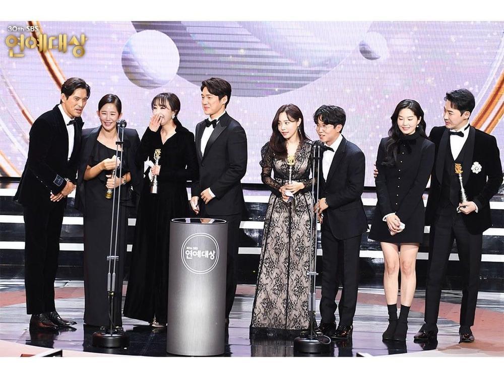 Kết quả 'SBS Entertainment Awards 2020': Kim Jong Kook thắng Daesang, Yoo Jae Suk 'Running Man' trắng tay Ảnh 57