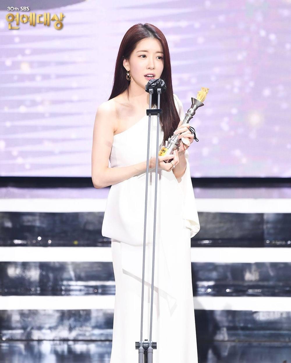 Kết quả 'SBS Entertainment Awards 2020': Kim Jong Kook thắng Daesang, Yoo Jae Suk 'Running Man' trắng tay Ảnh 26