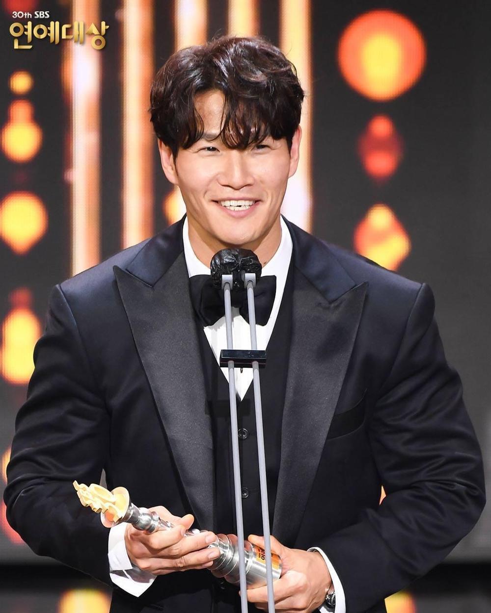 Kết quả 'SBS Entertainment Awards 2020': Kim Jong Kook thắng Daesang, Yoo Jae Suk 'Running Man' trắng tay Ảnh 12
