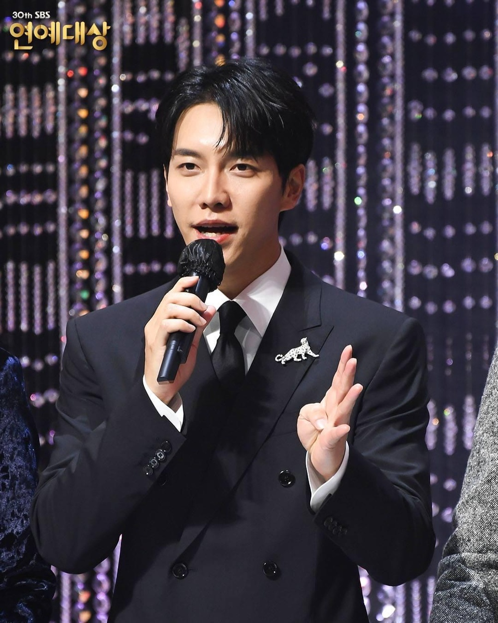 Kết quả 'SBS Entertainment Awards 2020': Kim Jong Kook thắng Daesang, Yoo Jae Suk 'Running Man' trắng tay Ảnh 1
