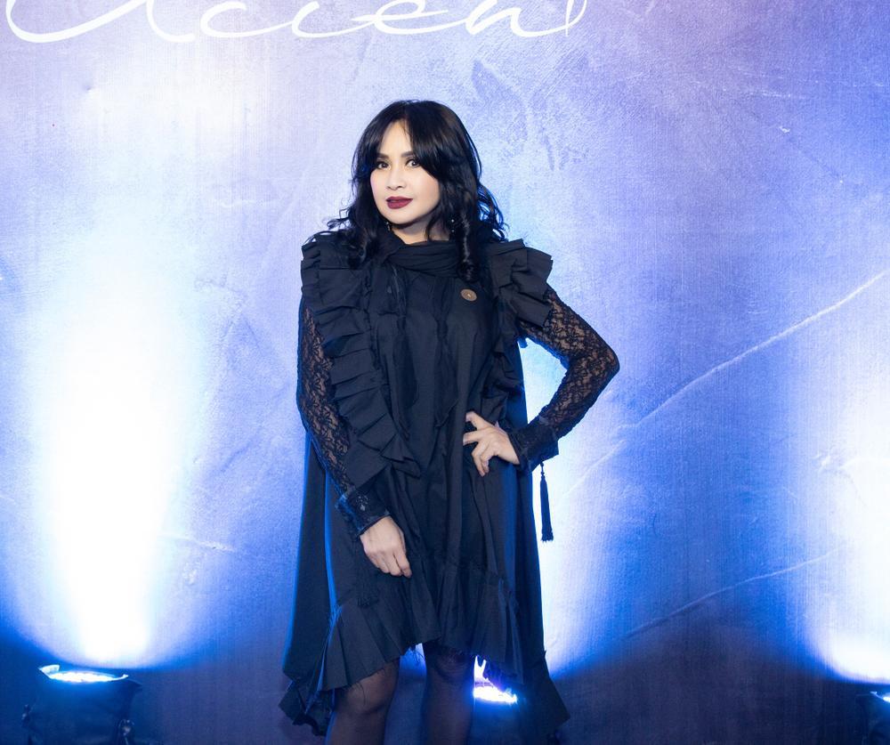Diva Thanh Lam xinh đẹp sánh đôi cùng bạn trai bác sĩ dự sự kiện Ảnh 6