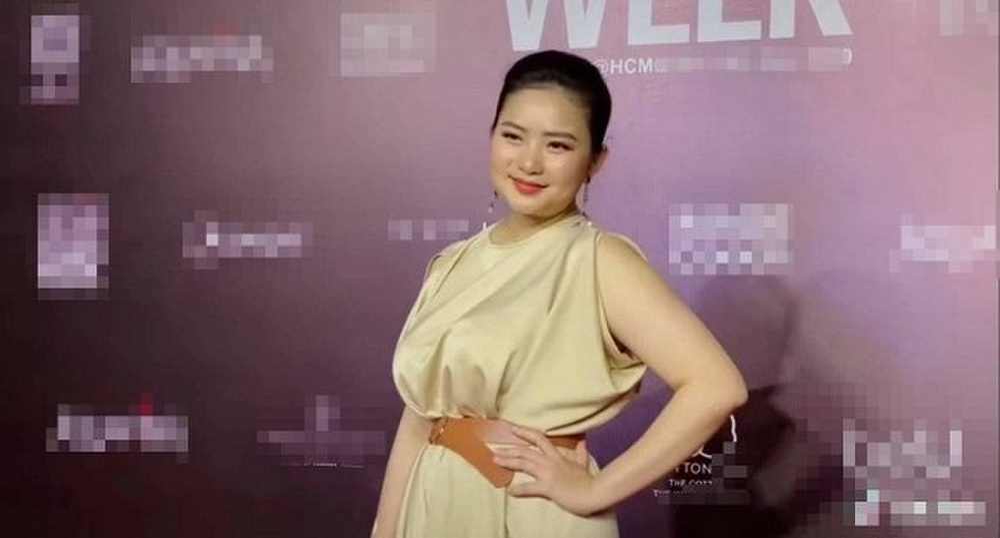 Giảm cân thành công, Phan Như Thảo tự tin diện váy bó khoe dáng bên ông xã đại gia Ảnh 8