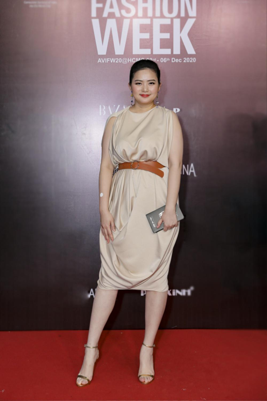Giảm cân thành công, Phan Như Thảo tự tin diện váy bó khoe dáng bên ông xã đại gia Ảnh 6