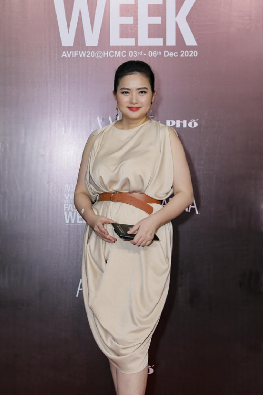 Giảm cân thành công, Phan Như Thảo tự tin diện váy bó khoe dáng bên ông xã đại gia Ảnh 7