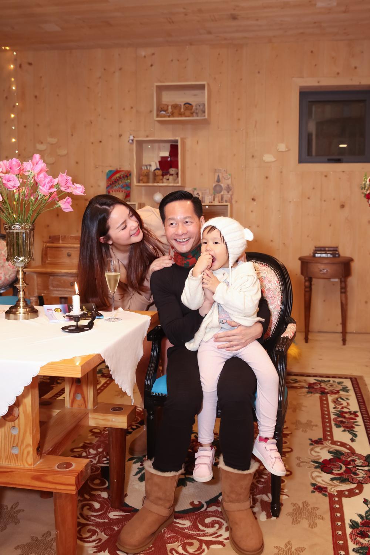 Giảm cân thành công, Phan Như Thảo tự tin diện váy bó khoe dáng bên ông xã đại gia Ảnh 4