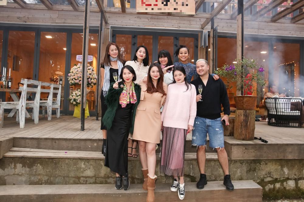 Giảm cân thành công, Phan Như Thảo tự tin diện váy bó khoe dáng bên ông xã đại gia Ảnh 3