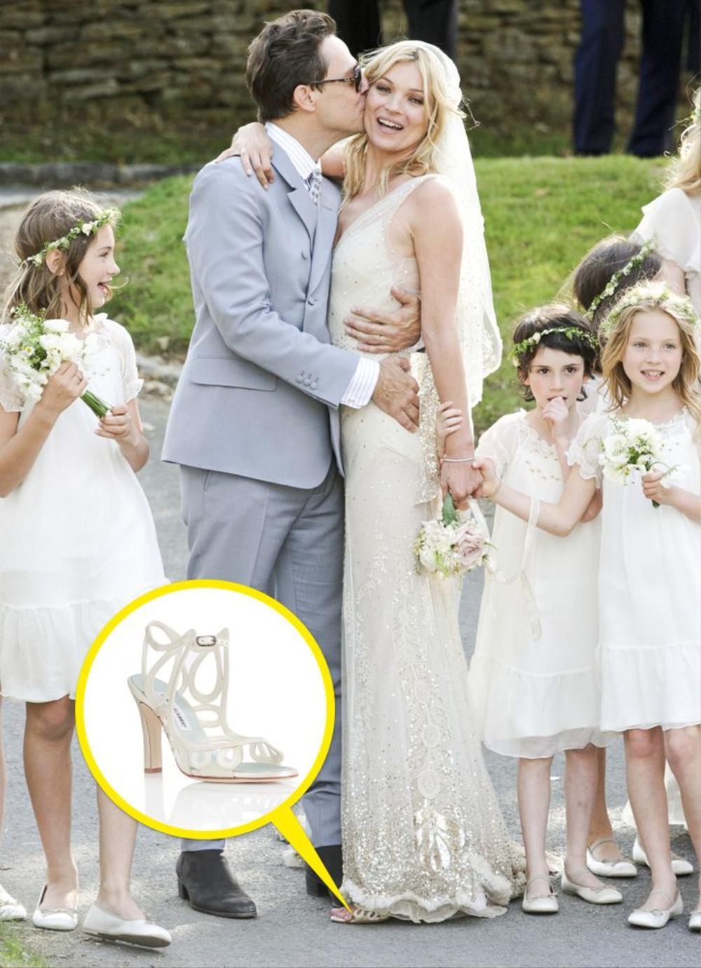 10 đôi giày cao gót huyền thoại trong đám cưới Hoàng gia và Hollywood Ảnh 2