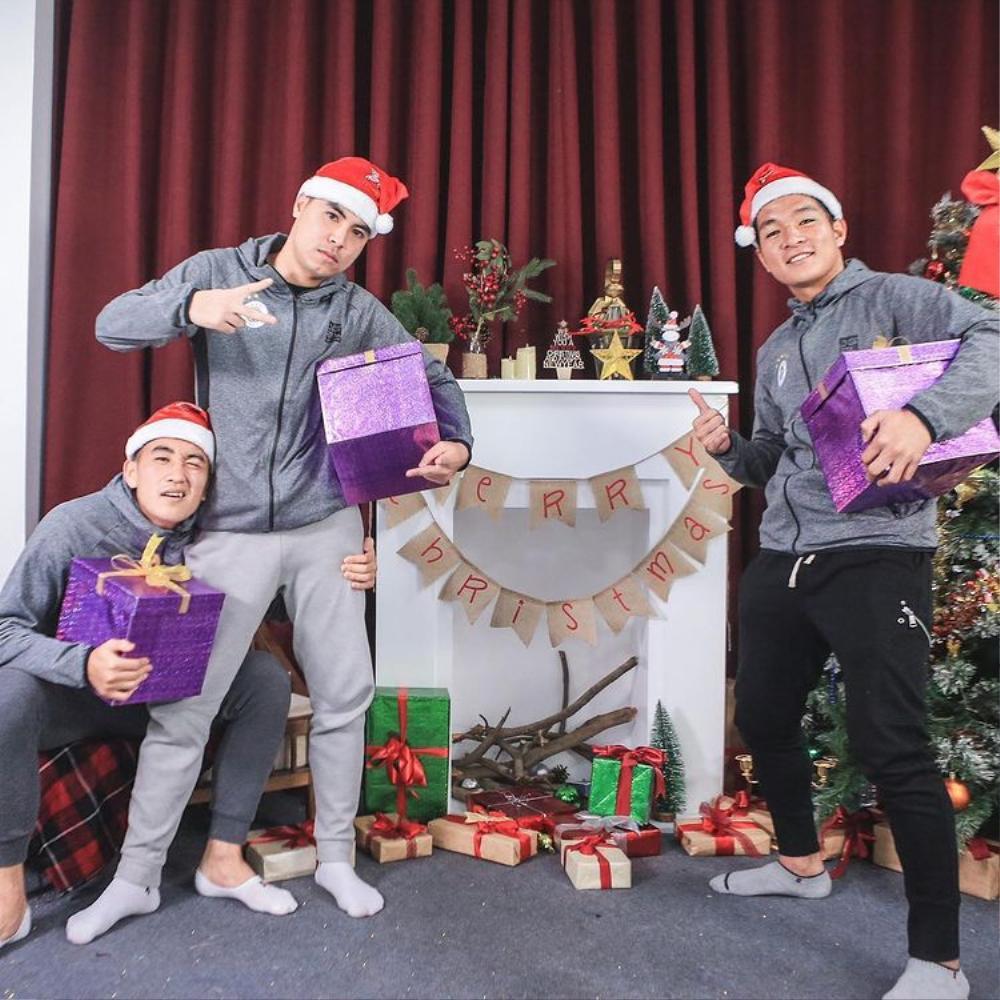 Nàng WAGs Võ Nhật Linh khoe nhan sắc 'gây thương nhớ' dịp lễ Noel Ảnh 4