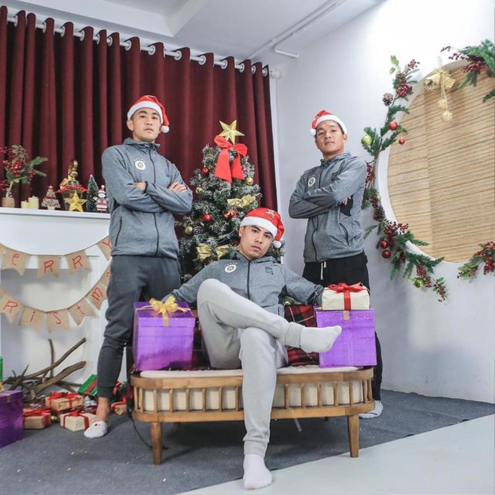 Nàng WAGs Võ Nhật Linh khoe nhan sắc 'gây thương nhớ' dịp lễ Noel Ảnh 5