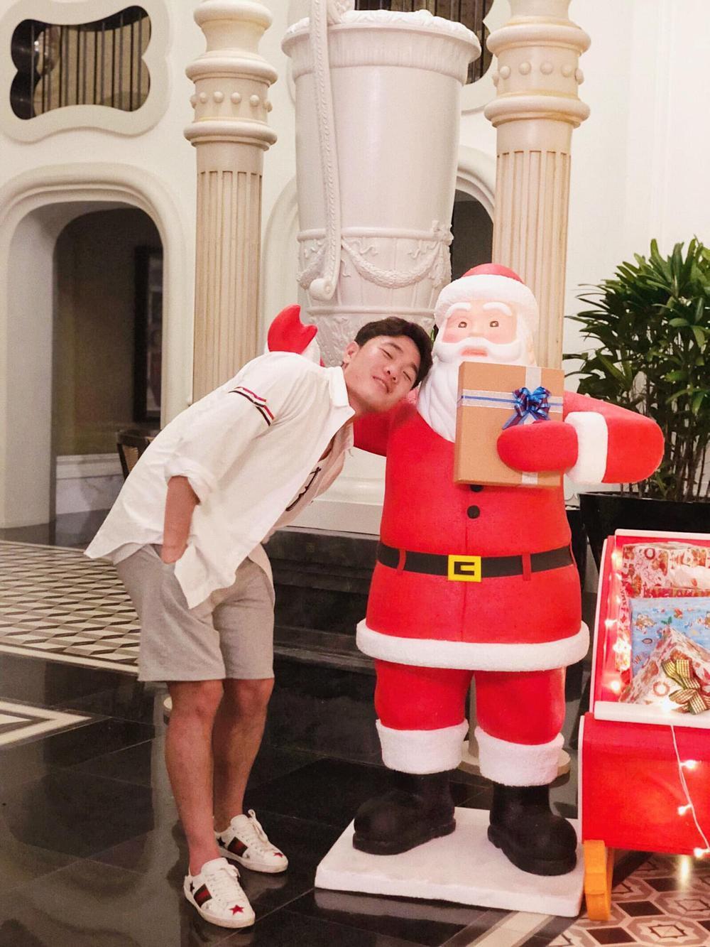 Nàng WAGs Võ Nhật Linh khoe nhan sắc 'gây thương nhớ' dịp lễ Noel Ảnh 7