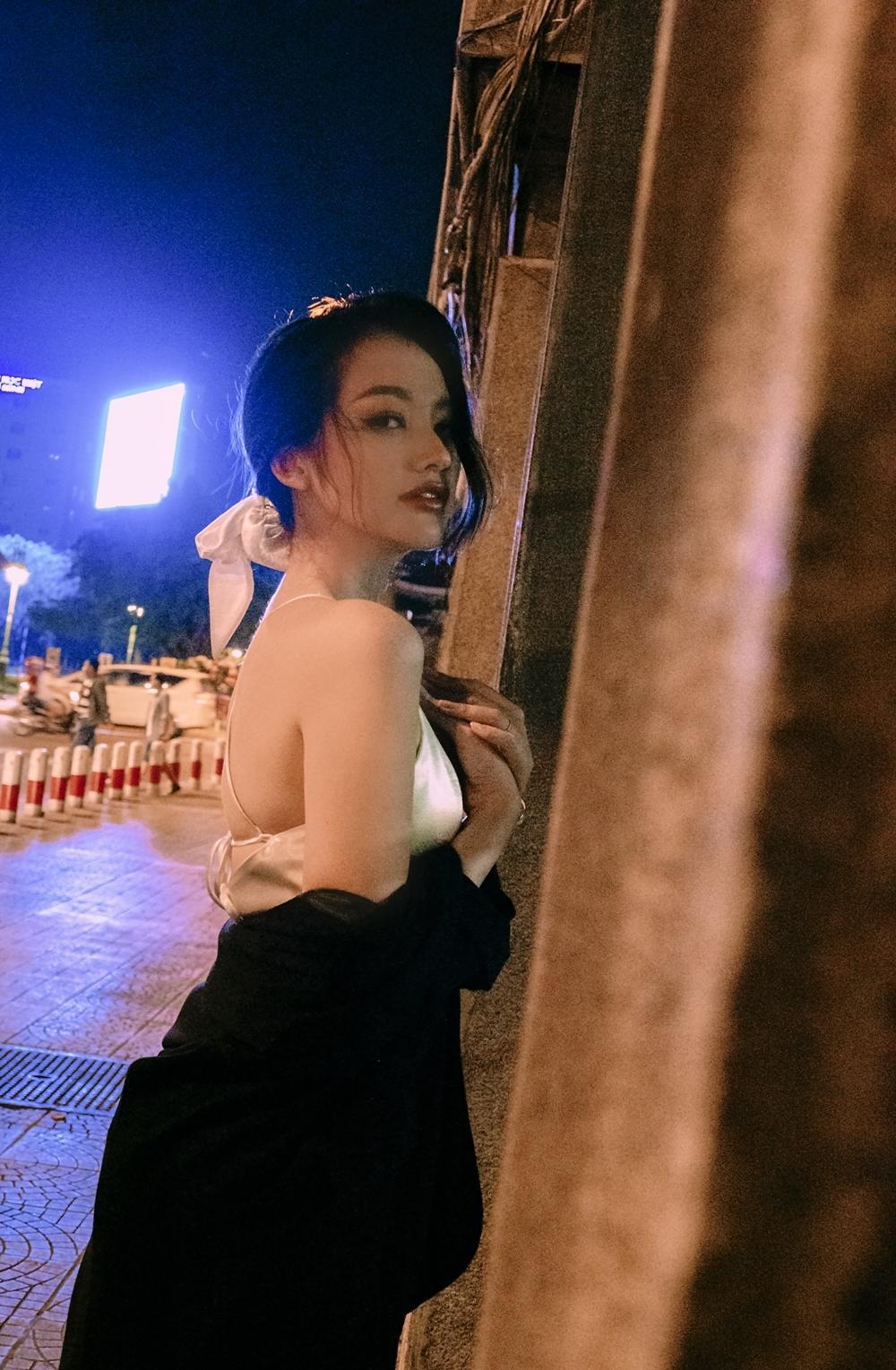 Trương Tri Trúc Diễm quá nỗi gợi cảm giữa đêm Sài Gòn hoa lệ Ảnh 7