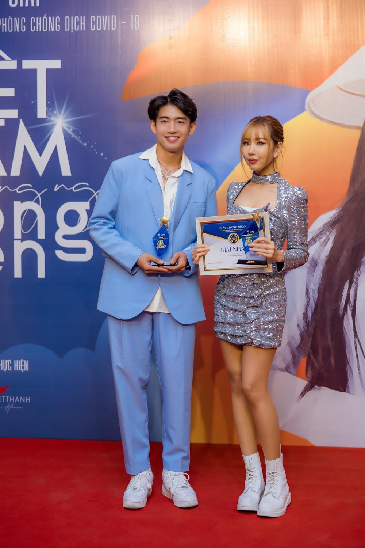 Quang Đăng, MIN, ERIK, Khắc Hưng nhận giải thưởng đặc biệt với 'Ghen Cô Vy' và 'vũ điệu rửa tay' Ảnh 2
