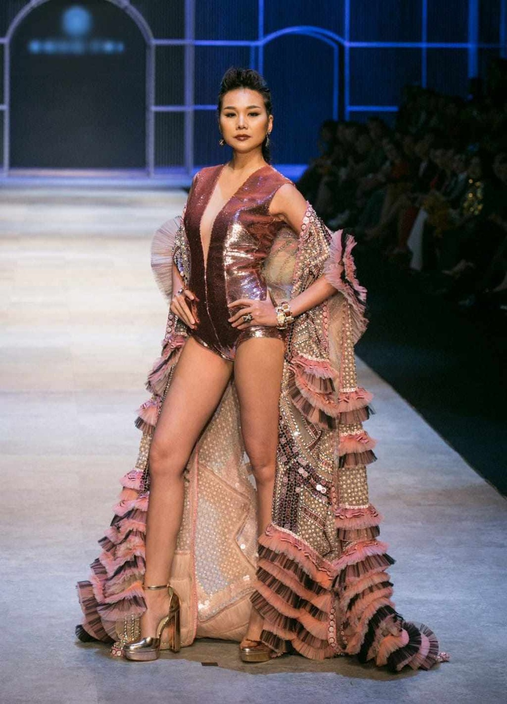 Lý giải xu hướng người mẫu thi hoa hậu từ thành công của Lan Khuê - Minh Tú - Hoàng Thùy - H'Hen Niê Ảnh 10