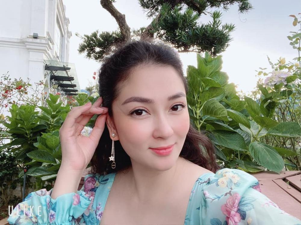 Không thay đổi sau 16 năm, Hoa hậu Nguyễn Thị Huyền còn xinh đẹp hơn khi mới đăng quang Ảnh 5