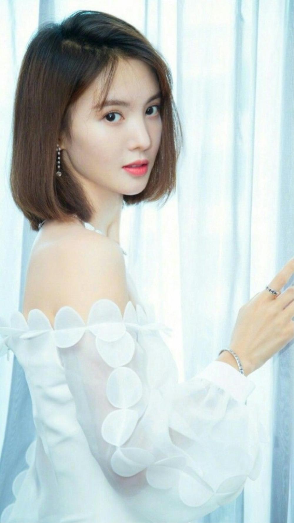 Kim Thần và Lý Dịch Phong cùng phủ nhận chuyện hẹn hò: 'Chỉ là buổi tụ tập bạn bè' Ảnh 1