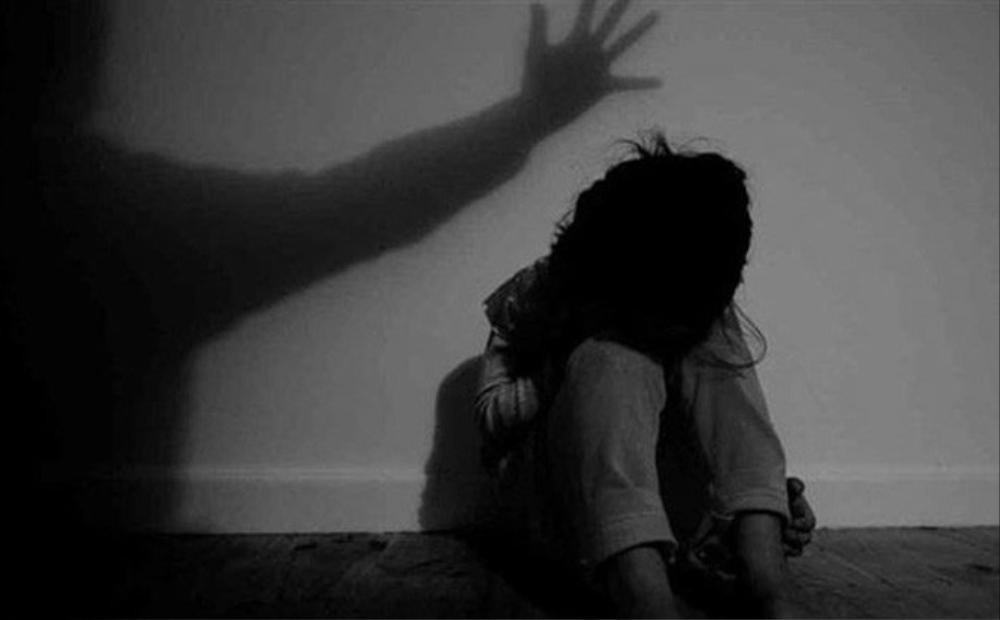 Điều tra vụ bé gái 11 tuổi kể với mẹ chuyện có quan hệ tình dục với nhiều thanh niên Ảnh 1