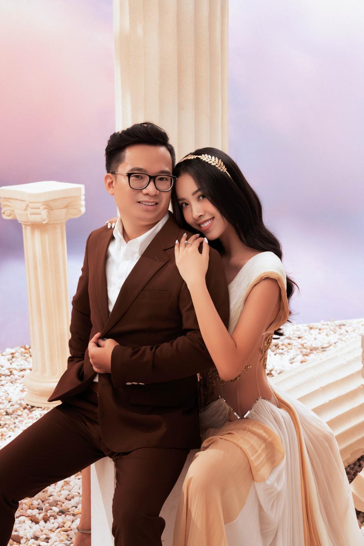 Á hậu Thúy An đẹp rạng ngời trong bộ ảnh cưới, e ấp hạnh phúc bên chồng tiến sĩ Ảnh 9