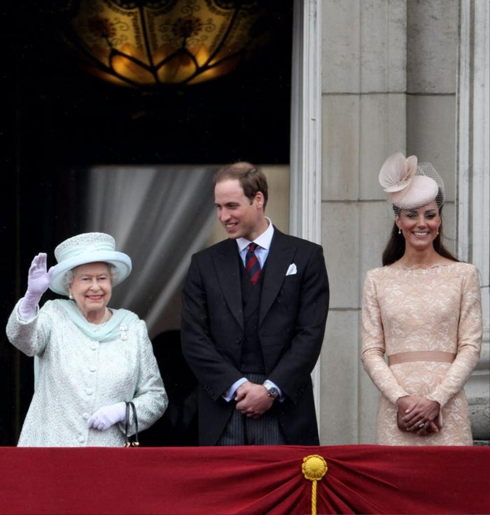 Kate Middleton học tập gu thời trang của Nữ hoàng Elizabeth II Ảnh 11