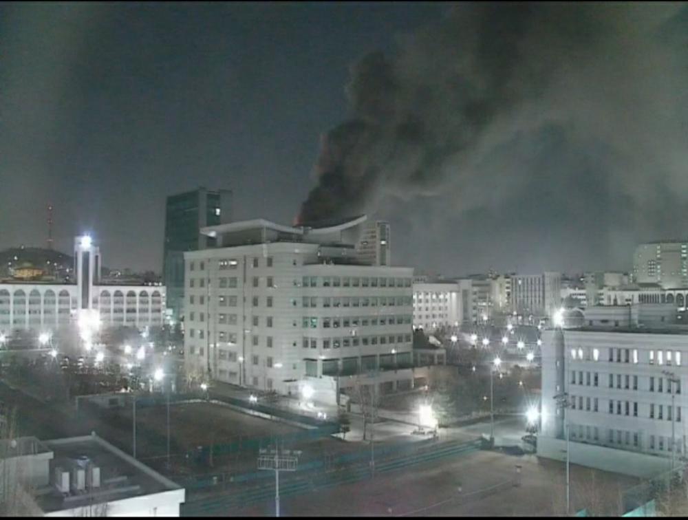 Trường Đại học Hàn Quốc cháy lớn ngay đêm Giao thừa 2021: Hơn 70 lính cứu hỏa đến dập lửa! Ảnh 7