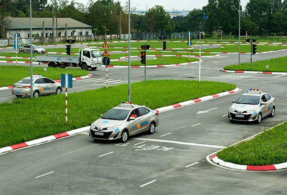 Từ 1/1/2021, thêm quy định mới với người học và thi bằng lái xe ô tô Ảnh 4