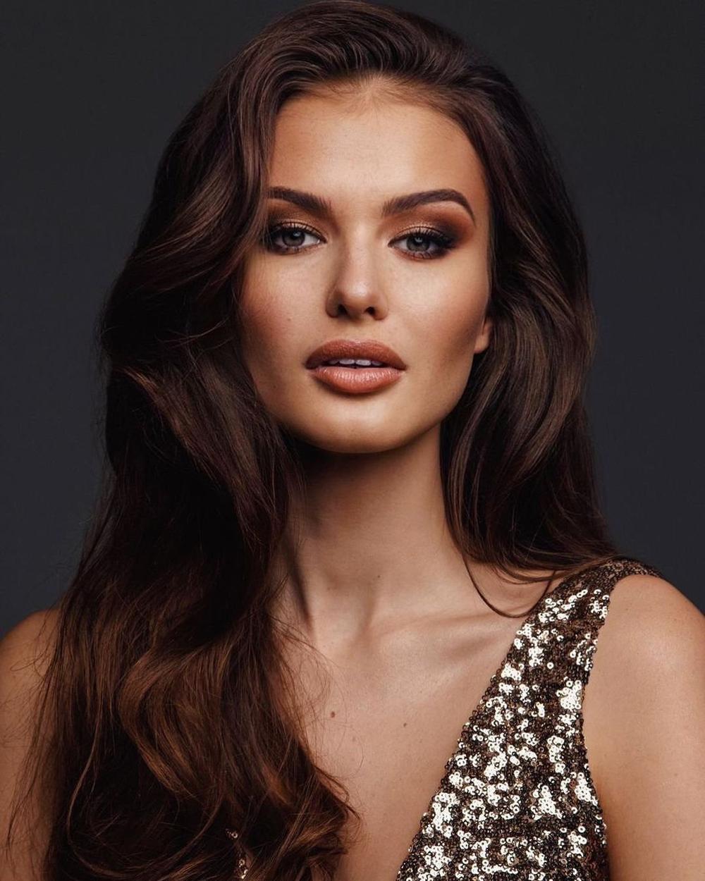 Miss Earth Water 2019 đại diện Cộng Hòa Séc tại Miss Universe: Khánh Vân thêm một đối thủ 'sừng sỏ' Ảnh 1