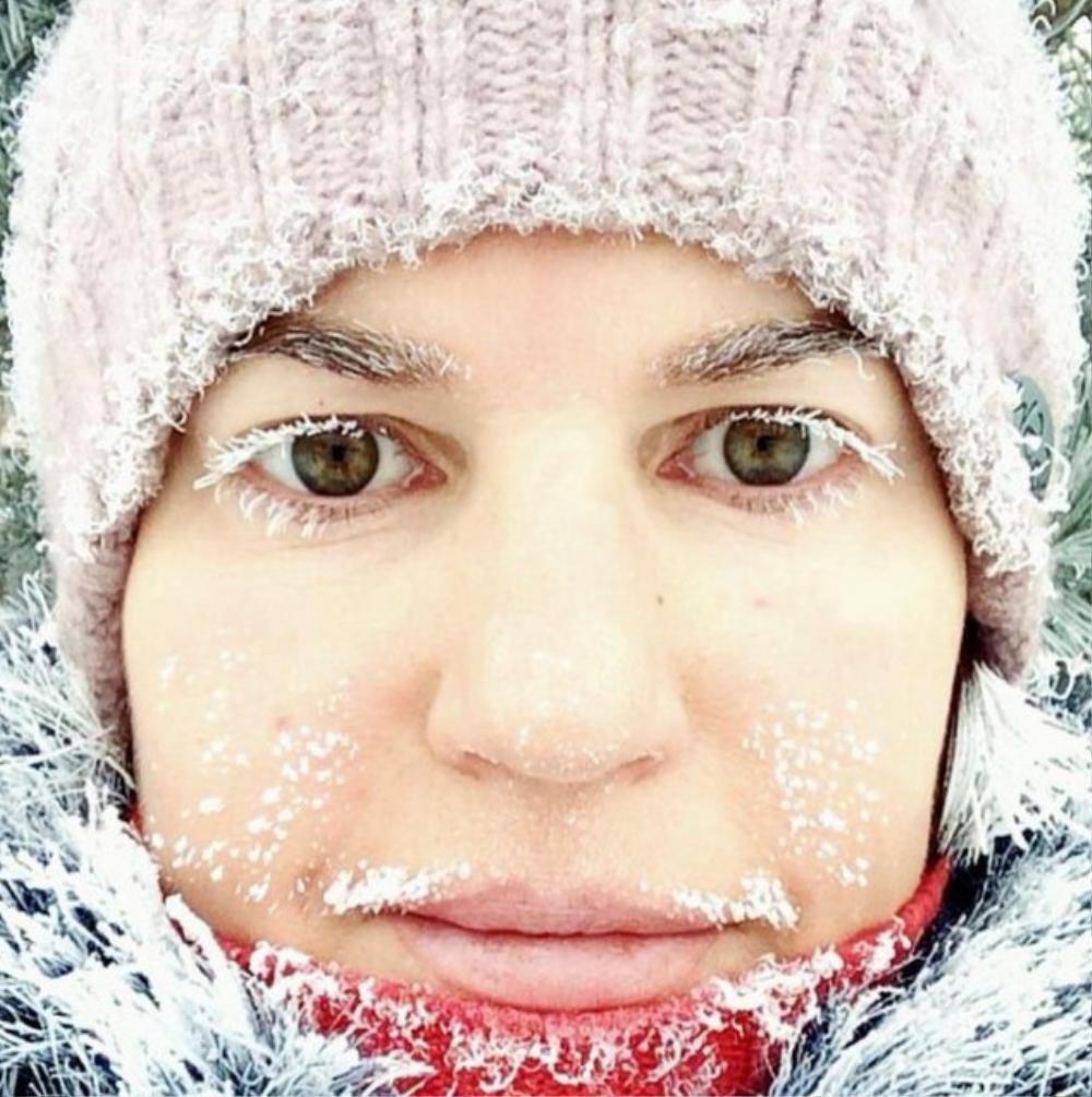Mỳ đóng băng, quần áo 'đông cứng' ngoài trời âm 40 độ C Ảnh 9