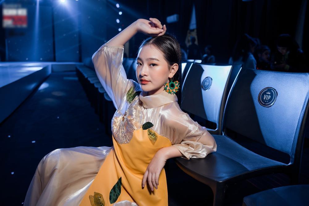 Catwalk đẹp, xinh như Lương Thùy Linh: Quỳnh Anh sẽ là Hoa hậu Việt Nam như lời tiên tri của Emily? Ảnh 4
