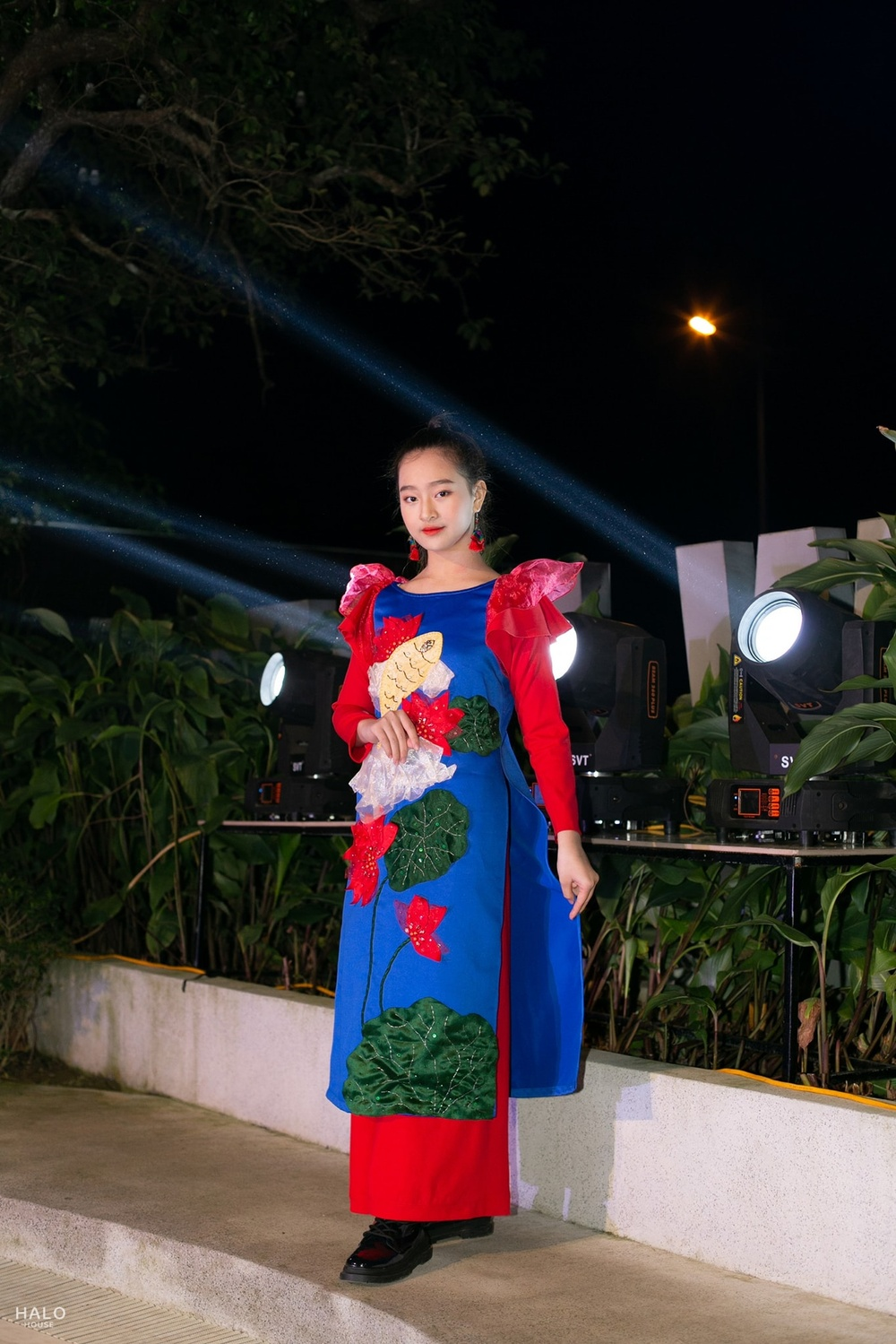Catwalk đẹp, xinh như Lương Thùy Linh: Quỳnh Anh sẽ là Hoa hậu Việt Nam như lời tiên tri của Emily? Ảnh 7