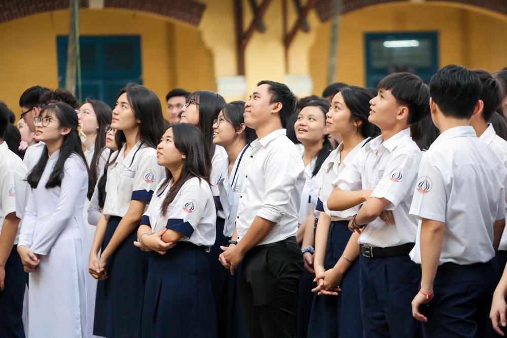 Nam sinh 'bóc phốt' giáo viên dạy Toán nhiệt tình cổ vũ trong cuộc thi kéo co khiến lớp thua thảm hại Ảnh 4