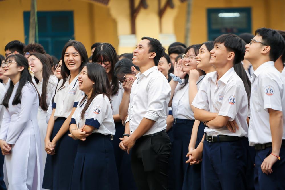 Nam sinh 'bóc phốt' giáo viên dạy Toán nhiệt tình cổ vũ trong cuộc thi kéo co khiến lớp thua thảm hại Ảnh 2