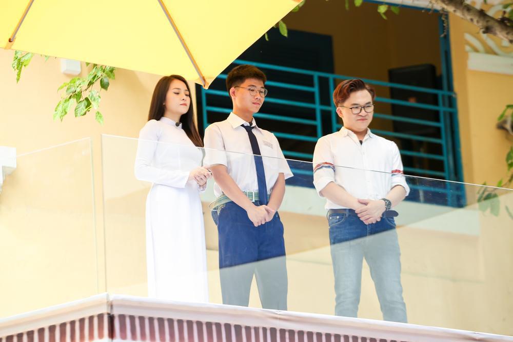 Nam sinh 'bóc phốt' giáo viên dạy Toán nhiệt tình cổ vũ trong cuộc thi kéo co khiến lớp thua thảm hại Ảnh 3