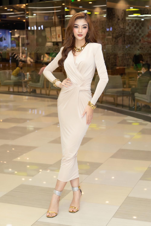 Kiều Loan khoe dáng chuẩn lần đầu 'chạm trán' Top 3 Hoa hậu Việt Nam Đỗ Thị Hà, Phương Anh, Ngọc Thảo Ảnh 6