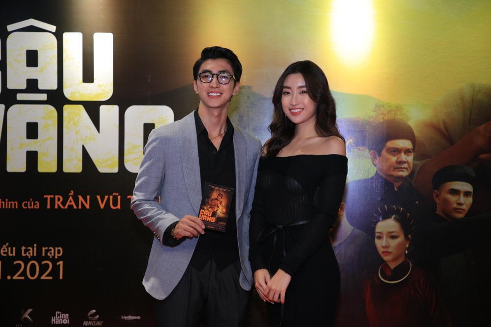 Hoa hậu Đỗ Mỹ Linh đọ sắc Châu Bùi, ông cháu Cậu Vàng chiếm trọn 'spotlight' trong họp báo ra mắt phim Ảnh 10