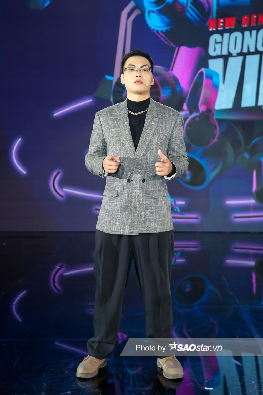 Bộ sậu quyền lực Giọng hát Việt nhí New Generation 'lên đồ mới' ngay tập 2 chuẩn 'người chơi hệ giàu có' Ảnh 7