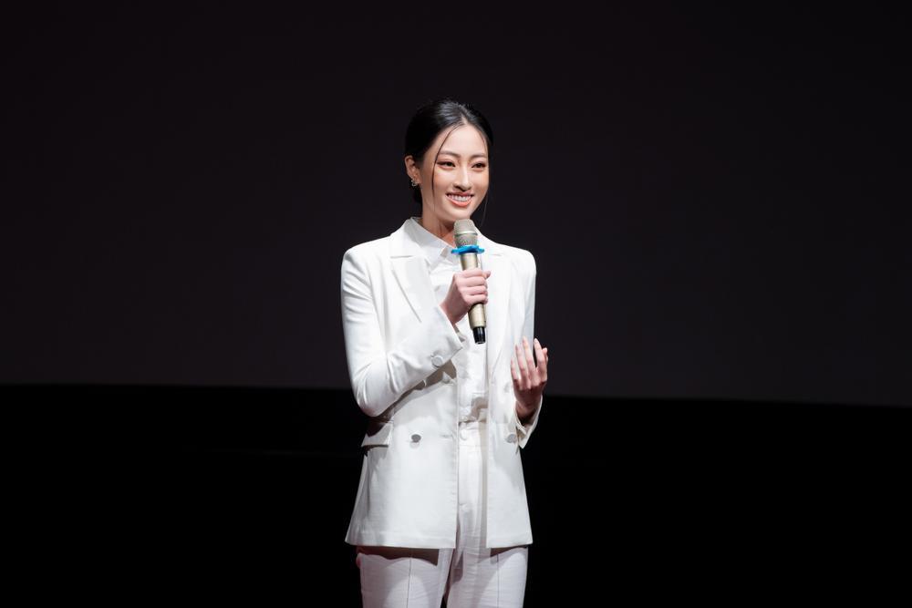 Lương Thùy Linh diễn thuyết bằng tiếng Anh xuất sắc: 'Tôi muốn làm người mẫu Victoria's Secret' Ảnh 4