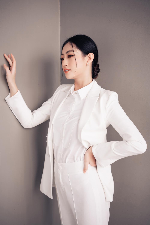 Lương Thùy Linh diễn thuyết bằng tiếng Anh xuất sắc: 'Tôi muốn làm người mẫu Victoria's Secret' Ảnh 9