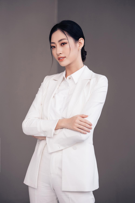Lương Thùy Linh diễn thuyết bằng tiếng Anh xuất sắc: 'Tôi muốn làm người mẫu Victoria's Secret' Ảnh 2