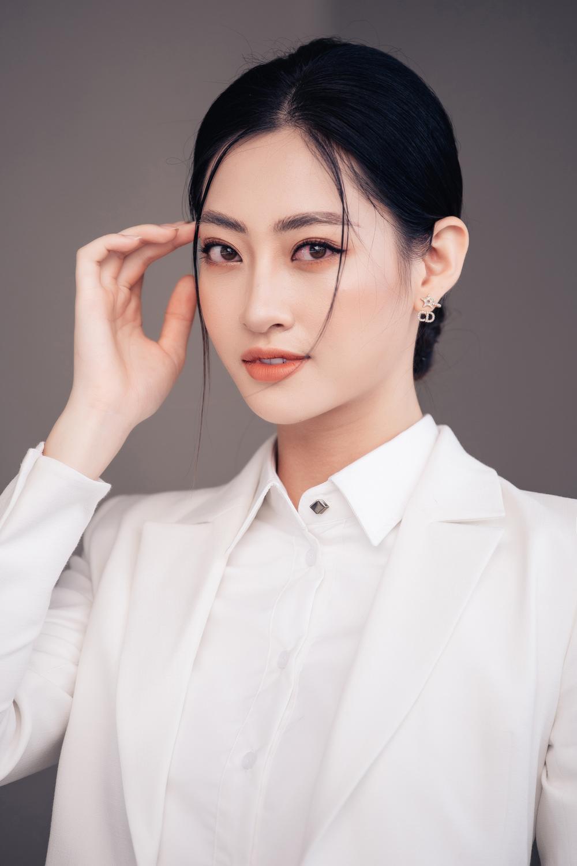 Lương Thùy Linh diễn thuyết bằng tiếng Anh xuất sắc: 'Tôi muốn làm người mẫu Victoria's Secret' Ảnh 1