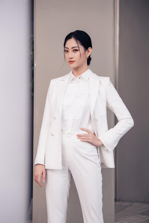 Lương Thùy Linh diễn thuyết bằng tiếng Anh xuất sắc: 'Tôi muốn làm người mẫu Victoria's Secret' Ảnh 11