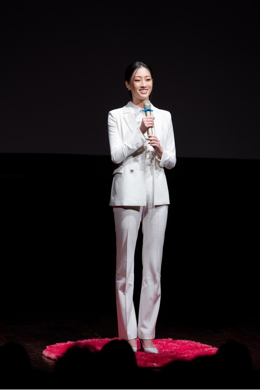 Lương Thùy Linh diễn thuyết bằng tiếng Anh xuất sắc: 'Tôi muốn làm người mẫu Victoria's Secret' Ảnh 5