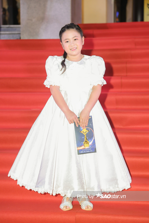 Thảm đỏ 'Ngôi sao xanh 2020': Chi Pu đọ sắc LONA cùng dàn Hoa hậu đẹp ngút ngàn của Việt Nam Ảnh 49