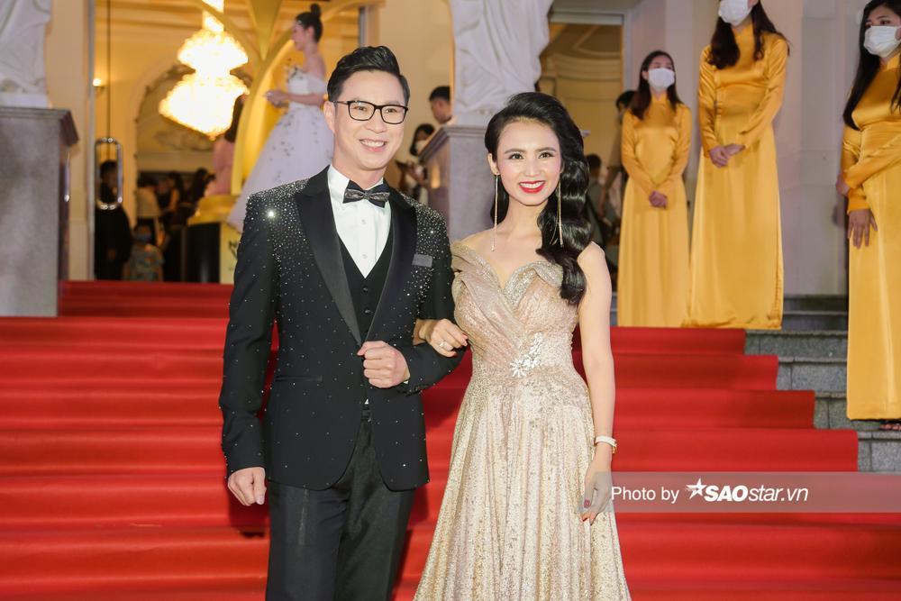 Thảm đỏ 'Ngôi sao xanh 2020': Chi Pu đọ sắc LONA cùng dàn Hoa hậu đẹp ngút ngàn của Việt Nam Ảnh 67