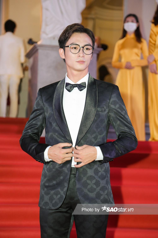 Thảm đỏ 'Ngôi sao xanh 2020': Chi Pu đọ sắc LONA cùng dàn Hoa hậu đẹp ngút ngàn của Việt Nam Ảnh 24