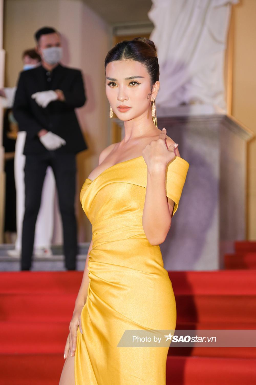 Thảm đỏ 'Ngôi sao xanh 2020': Chi Pu đọ sắc LONA cùng dàn Hoa hậu đẹp ngút ngàn của Việt Nam Ảnh 44