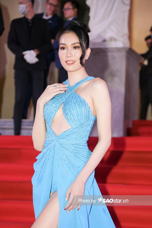 Thảm đỏ 'Ngôi sao xanh 2020': Chi Pu đọ sắc LONA cùng dàn Hoa hậu đẹp ngút ngàn của Việt Nam Ảnh 13