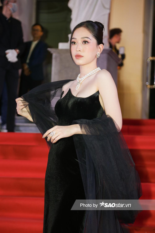 Thảm đỏ 'Ngôi sao xanh 2020': Chi Pu đọ sắc LONA cùng dàn Hoa hậu đẹp ngút ngàn của Việt Nam Ảnh 38