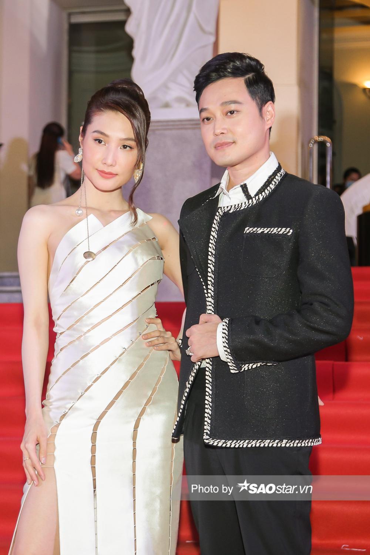 Thảm đỏ 'Ngôi sao xanh 2020': Chi Pu đọ sắc LONA cùng dàn Hoa hậu đẹp ngút ngàn của Việt Nam Ảnh 41